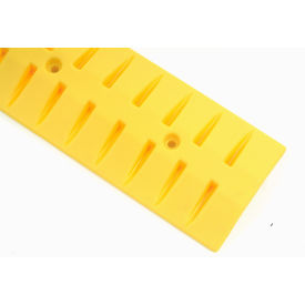 506847 Speed Bump With Cable Protection 6 Foot Long